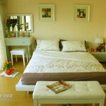 再来看看我家的卧室,同时谢幕