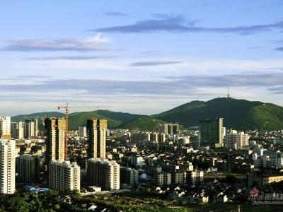02北阳台远眺锡惠群山