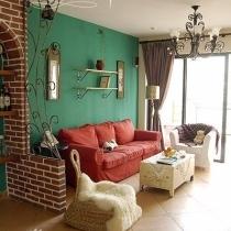 客厅沙发红色墙绿色