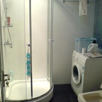 卫生间居然忘记洗衣机电源,现在只能跟热水器共享电源