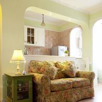 做了半开敞式的厨房,打通了客厅和阳台的部分,客厅与厨房空间更透亮了。