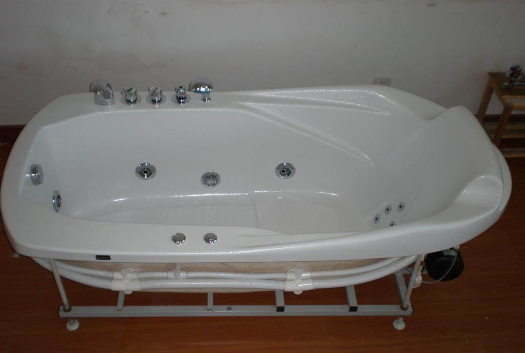 欧纳卫浴按摩浴缸激情1818-1.2