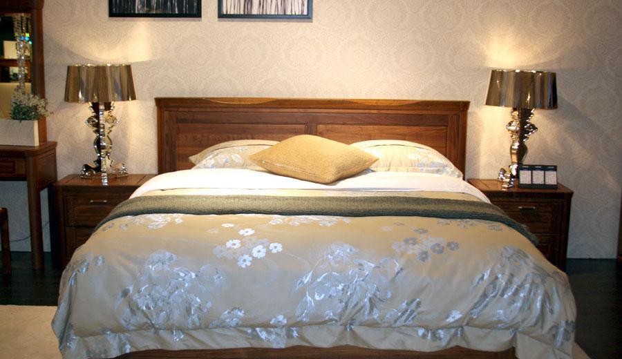 百强新罗马NA2-01A胡桃木双人床+床头柜NA2-01A