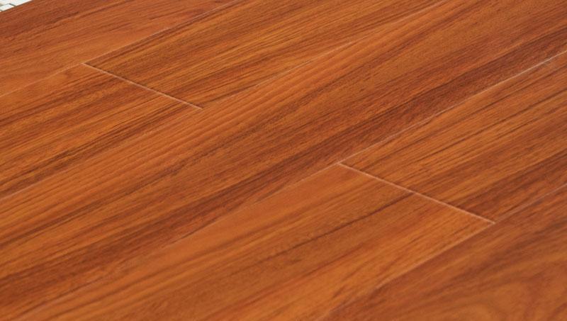 卡玛尔高清系列KV775皇家金柚实木复合地板KV775
