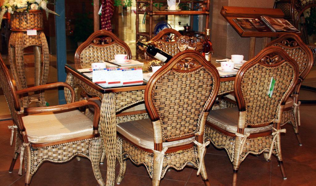 翡翠藤器印尼藤餐桌椅印尼藤