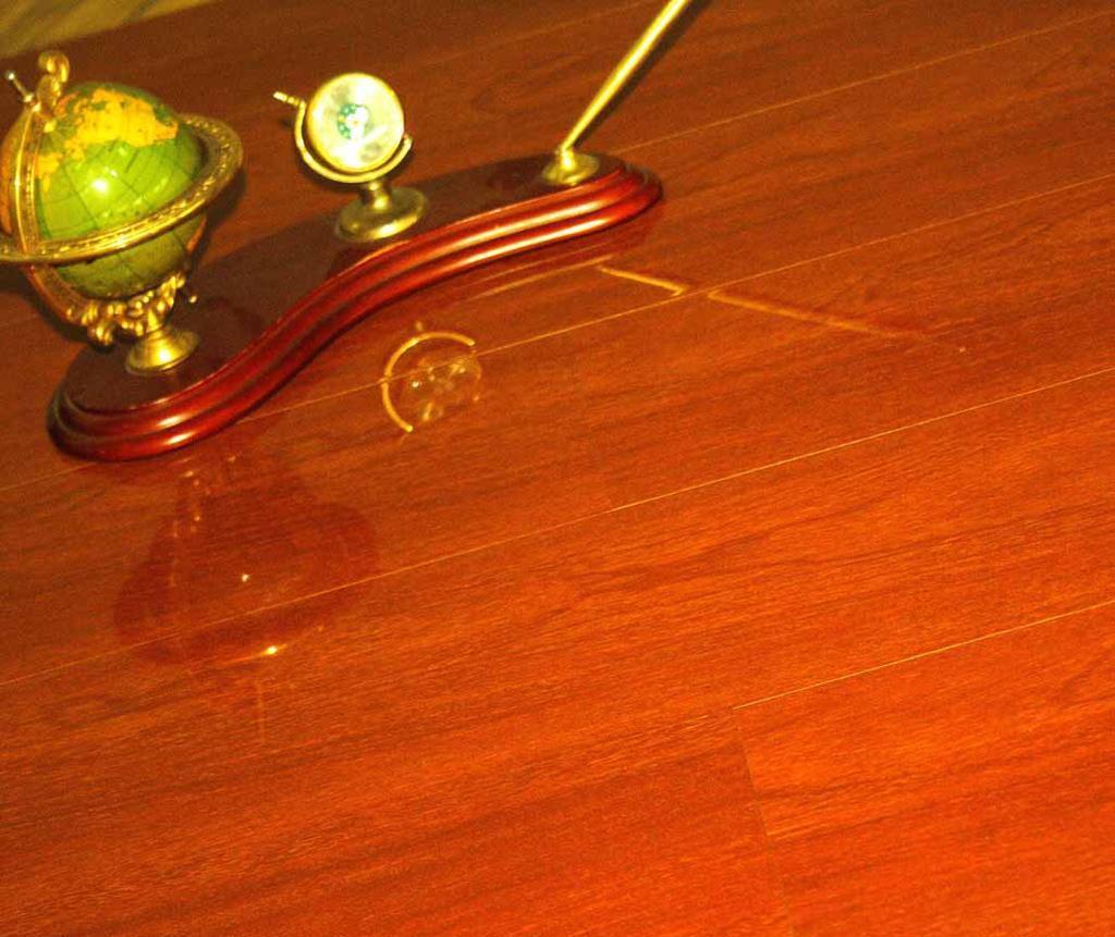 格林德斯.泰斯地板强化复合地板玛瑙面-摩洛哥红摩洛哥红檀木