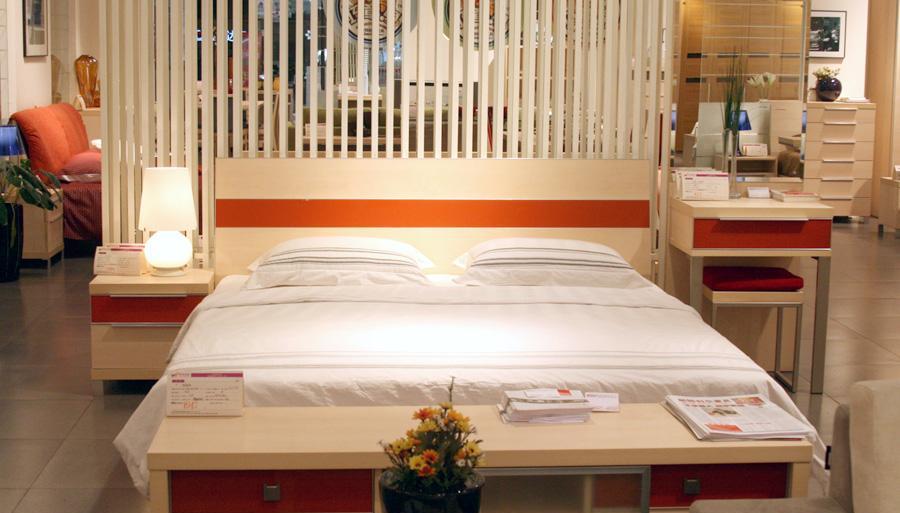 耐特利尔卧室家具彩釉系列白枫床釉系列白枫床