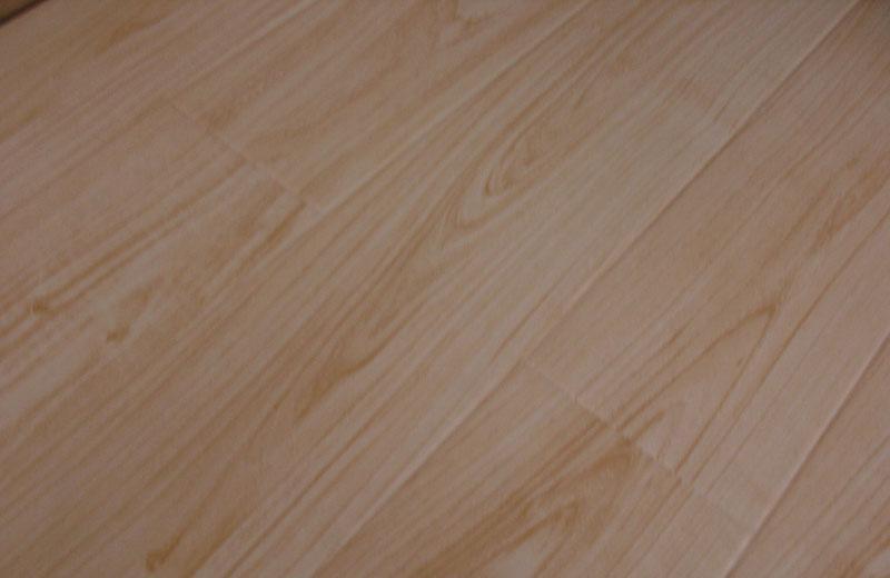 卡玛尔尚美系列KF611北美栎木实木复合地板KF611