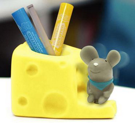 可爱鼠笔筒