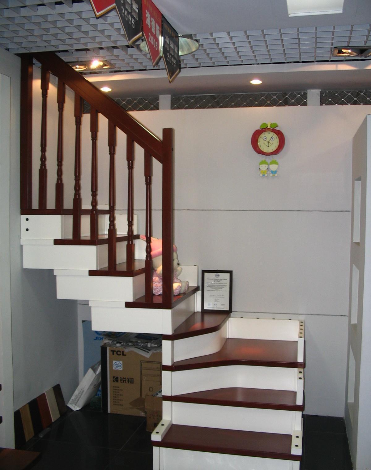 美步楼梯美狄亚