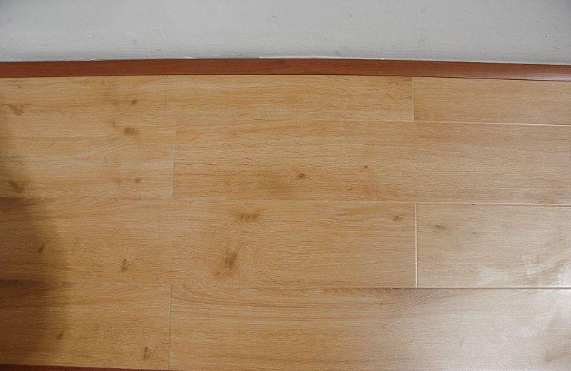 福人强化复合地板古橡木2388ZMZJ2388