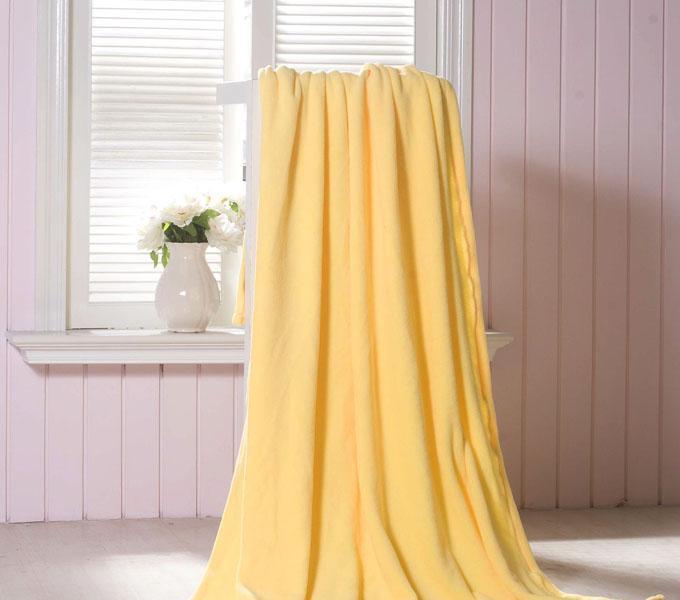 珑棉家纺超柔珊瑚绒毯淡黄色