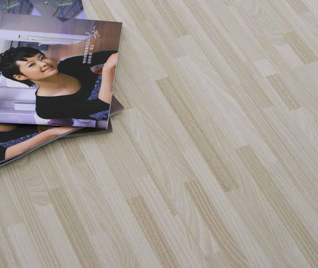 格林德斯.泰斯地板强化复合地板浮雕面-细拼白榆细拼白榆木