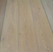 宏耐强化复合地板橡木SB1309SB1309