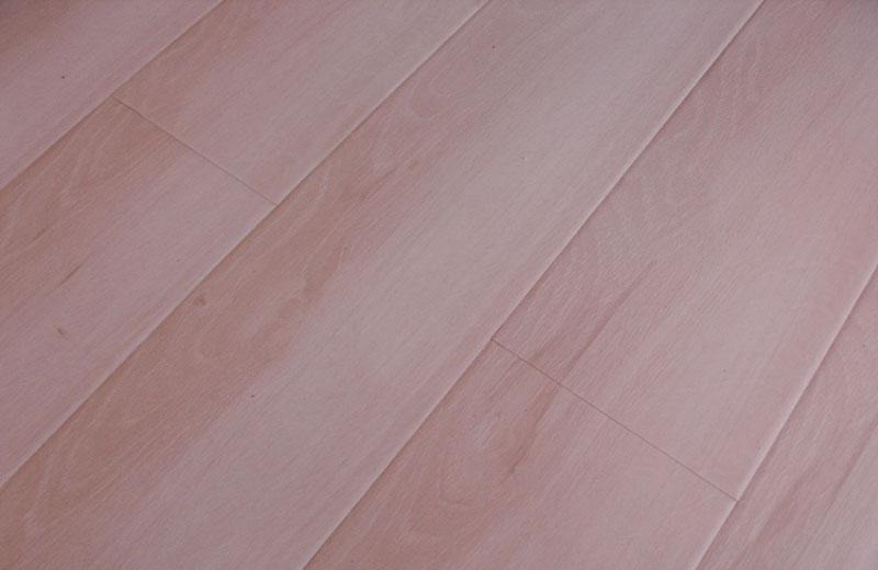 卡玛尔尚美系列KF612香山云桦实木复合地板KF612