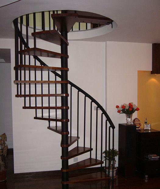 品家恰茗A系列钢木楼梯