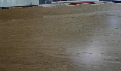 新绿洲实木地板-柞木