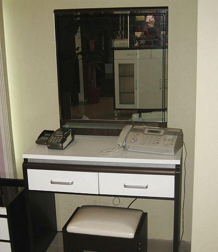 亚美特卧室家具梳妆台柜黑胡桃套白漆