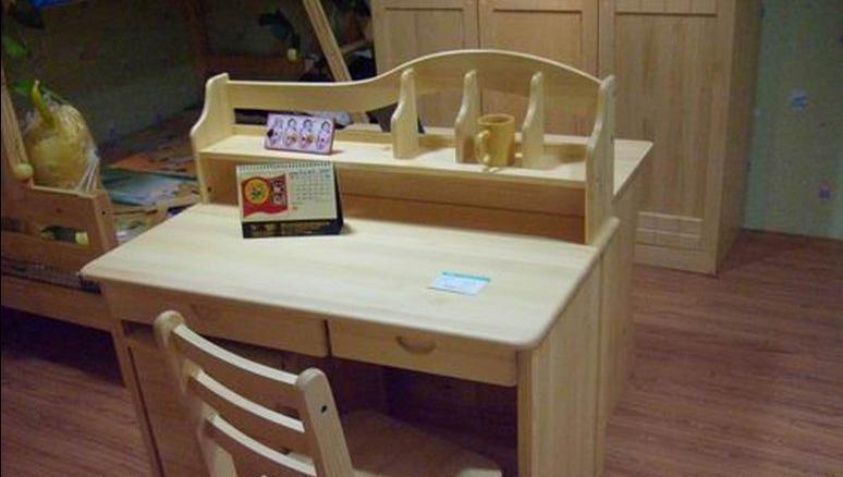 香柏年学生桌-松木学生桌