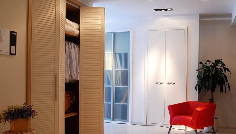 瑞时爱索板式衣柜-实木油漆爱索-板式