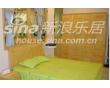 宜伟松木系列YW-UF-16床+床头柜+衣柜