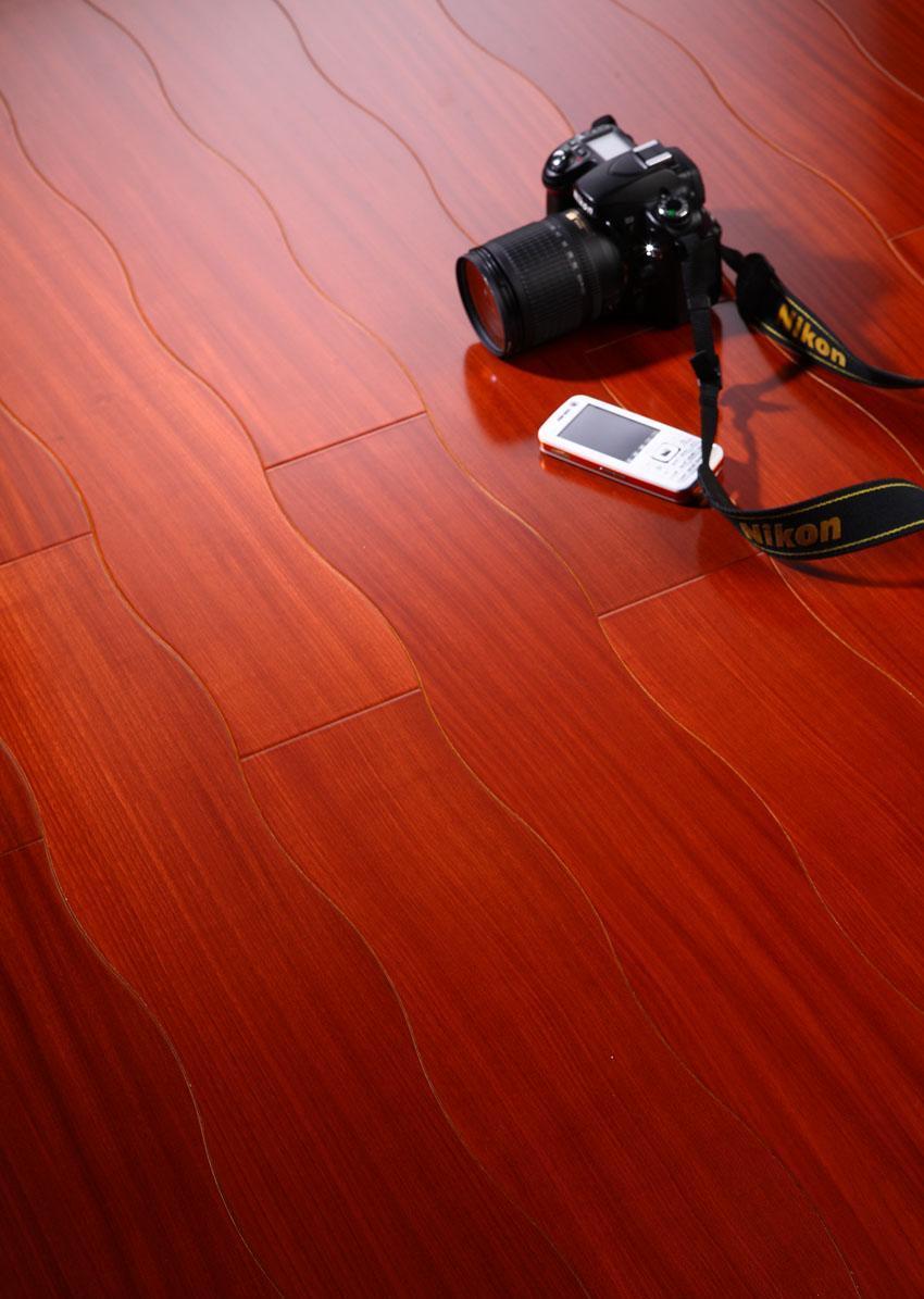 新绿洲曲线多层系列大美木豆实木地板大美木豆