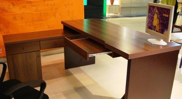 皇朝家私浅胡系列-6PC02电脑桌6PC02