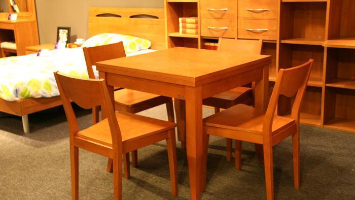 健威家具-加州缘系列-梨木餐桌(正方形)梨木餐桌(正方形)