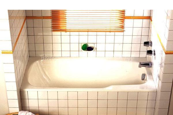 科勒-科尔图特铸铁浴缸