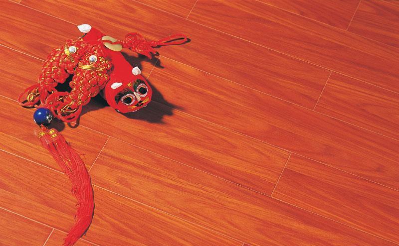 标王强化复合地板运动模压系列B2030-南非红柚B2030-南非红柚