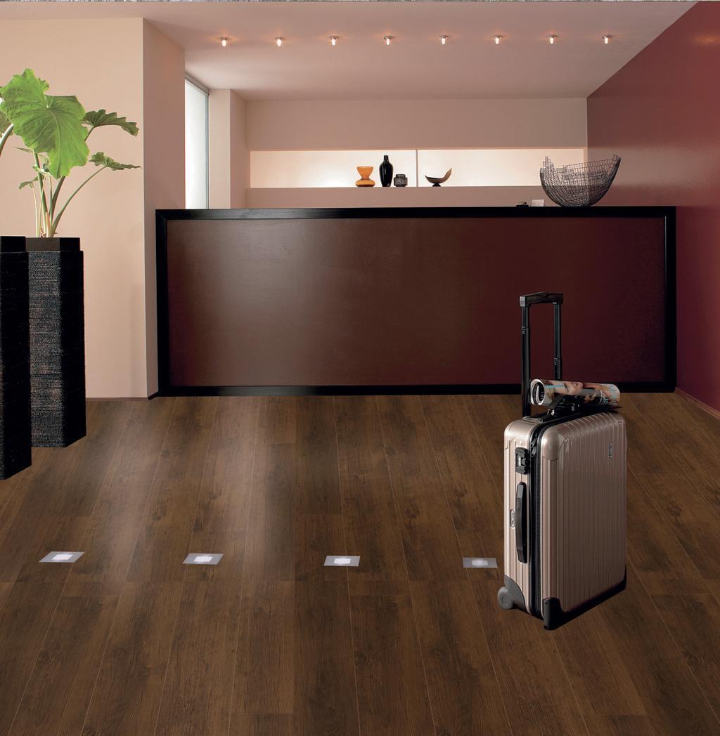 爱格强化地板皇家系列REI140巴洛克橡木REI140