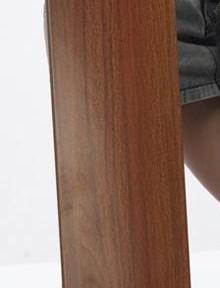 乐迈托马斯系列T-3强化复合地板-酸枝木