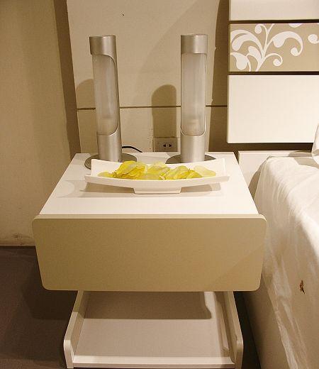 优美家卧室家具床头柜KB35左右