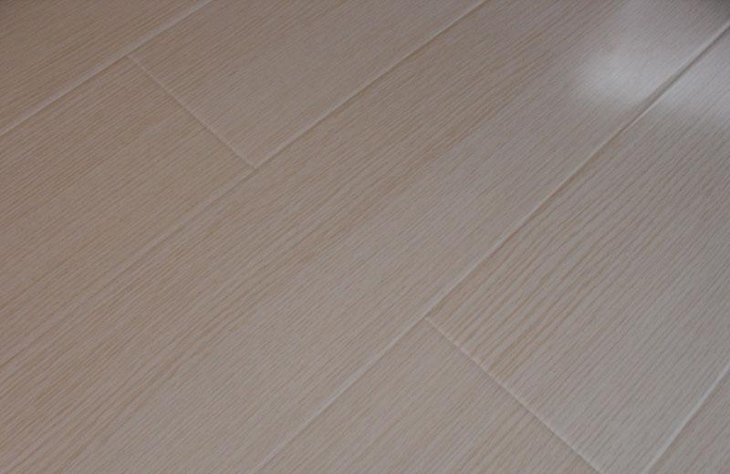 卡玛尔尚美系列KF610流云白橡实木复合地板KF610