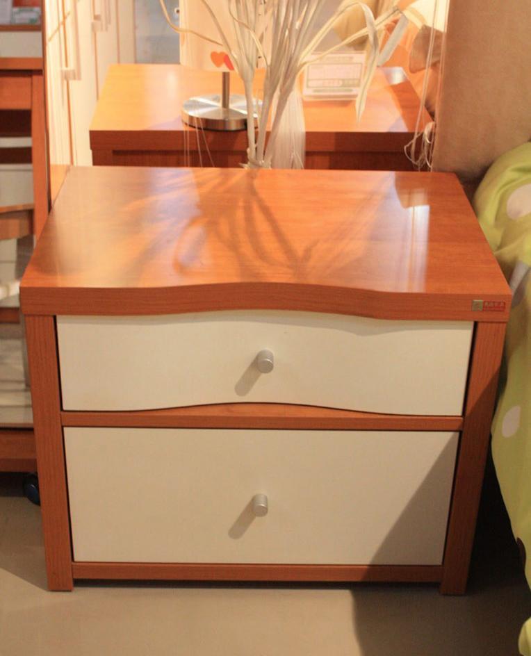 奥格美国红樱桃套荷花白色系列A04床头柜
