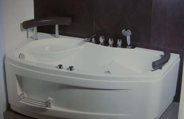 吉美卫浴-按摩浴缸G9011
