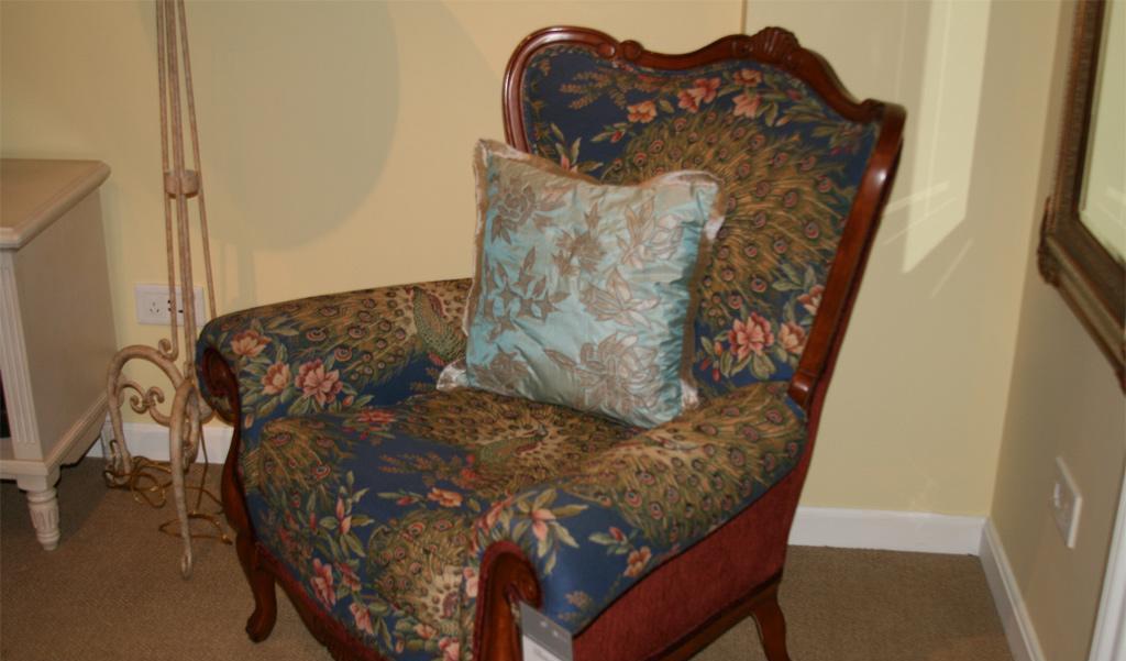 美克美家布艺装饰椅MK7913-3 2G841 M23MK7913-3 2G841 M23