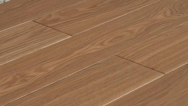 卡玛尔创新生活多层实木复古系列KOM08手纹古橡KOM08