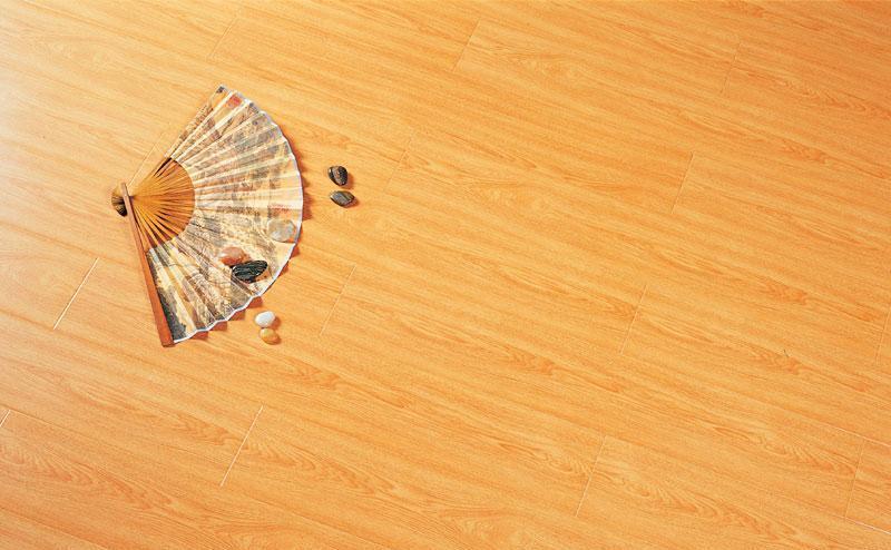 标王强化复合地板运动模压系列B2060-印尼红榉B2060-印尼红榉