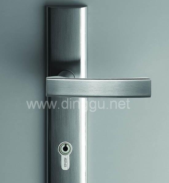 顶固B3305SN锌合金中弹子插芯门锁B3305SN