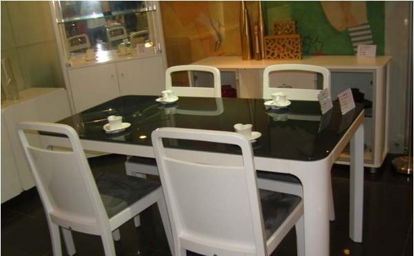 优越OGD514餐桌(烤漆板)OGD514