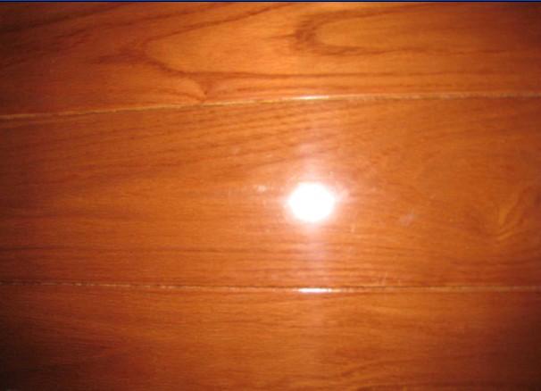 鑫海实木地板-水曲柳红色