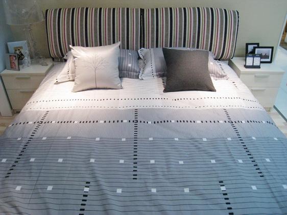 双人床,床头柜