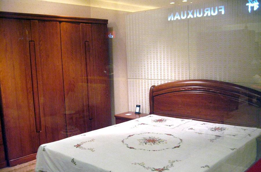 东升实木家具A402四门衣柜