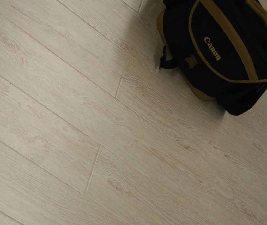 格林德斯.泰斯地板强化复合地板绒麻面感恩系列-水晶白橡木