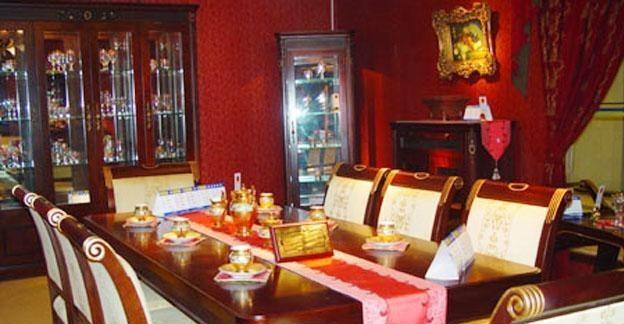 标致餐厅家具-德曼系列-餐桌餐椅1