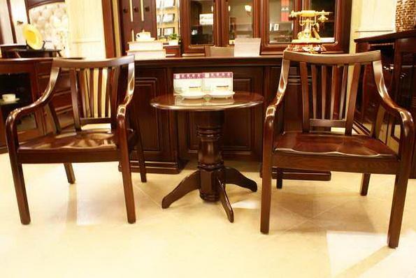 休闲椅+小圆桌