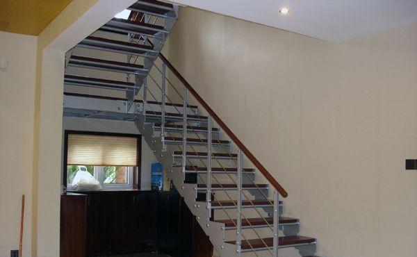 美步楼梯塞拉尔