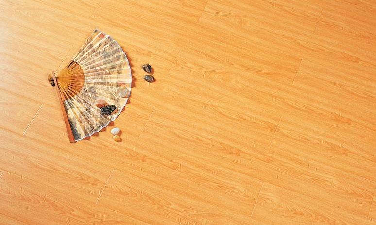 标王强化复合地板运动模压系列B2060-印尼红榉