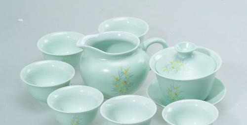 恒福茶具玉兰花开半组1壶1海6杯